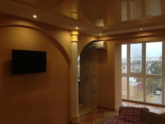 2 rooms apartmentsdaily Severodonetsk, ул. Гагарина, 56. Photo 1