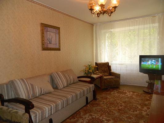 Двухкомнатная квартирапосуточно в Хмельницком. ул. Молодежная, 5. Фото 1