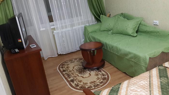 Однокомнатная квартирапосуточно в Киеве. Деснянский район, ул. Милютенко, 5а. Фото 1