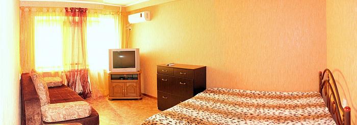 Однокомнатная квартирапосуточно в Донецке. Калининский район, пр-т Ильича, 1. Фото 1