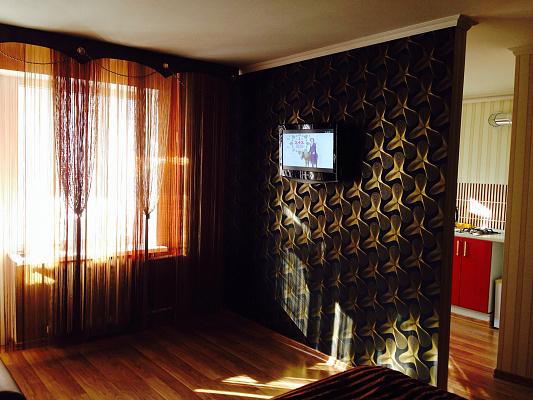 Однокомнатная квартирапосуточно в Симферополе. Центральный район, Проспект Кирова, 14. Фото 1
