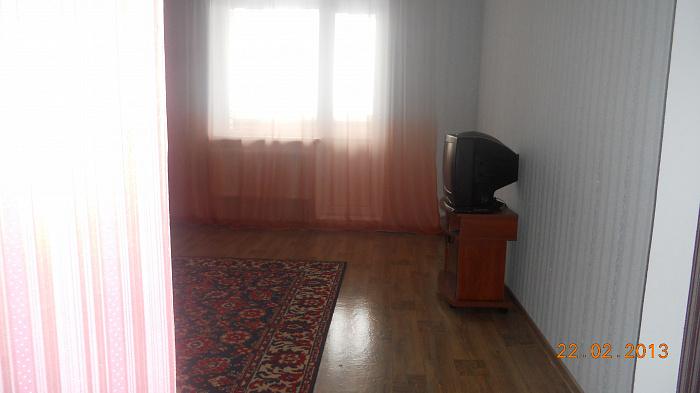 Двухкомнатная квартирапосуточно в Хмельницком. проспект мира , 112. Фото 1