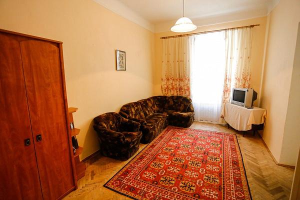 3-комнатная квартира посуточно в Львове. Галицкий район, ул. Таманская, 12. Фото 1