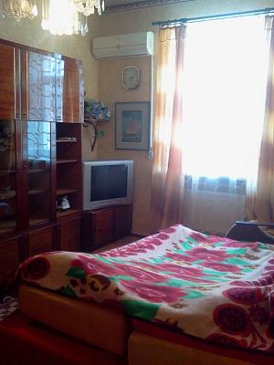 Однокомнатная квартирапосуточно в Бердянске, ул. Ульяновых, 16. Фото 1