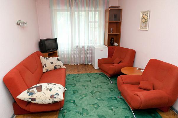 2-комнатная квартира посуточно в Львове. Франковский район, ул. Генерала Чупринки, 59. Фото 1