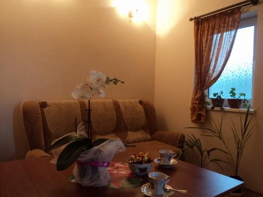 Однокомнатная квартирапосуточно в Алупке, ул. Калинина, 30