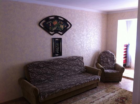 1-комнатная квартира посуточно в Ильичёвске. Данченко, 3. Фото 1