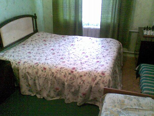 2-комнатная квартира посуточно в Киеве. Святошинский район, ул. Львовская. Фото 1