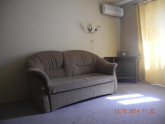 Однокомнатная квартирапосуточно в Запорожье. Жовтневый район, ул. Дзержинского, 87. Фото 1