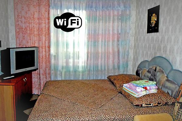 3-комнатная квартира посуточно в Днепре. Красногвардейский район, пр-т Правды, 79. Фото 1