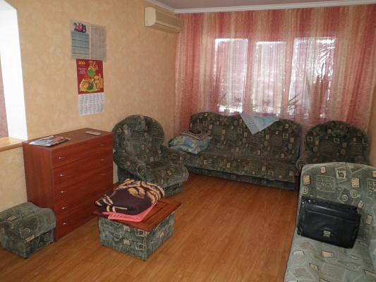 Однокомнатная квартирапосуточно в Алуште. ул. Таврическая, 3. Фото 1