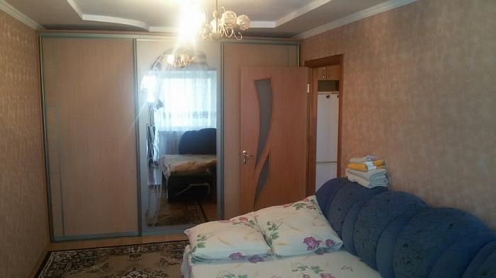 Однокомнатная квартирапосуточно в Каменце-Подольском, ул. Соборная, 27. Фото 1