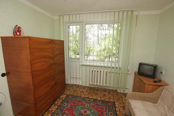 Однокомнатная квартирапосуточно в Евпатории. ул. Демышева, 110. Фото 1