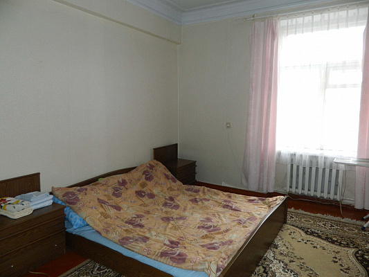 Двухкомнатная квартирапосуточно в Каменце-Подольском. ул. Шевченко, 18. Фото 1
