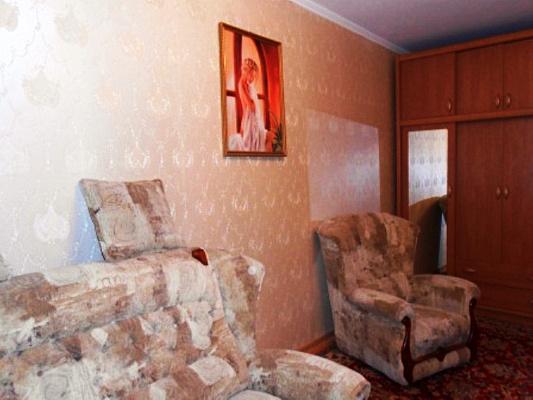 Однокомнатная квартирапосуточно в Форосе, ул. Космонавтов, 18
