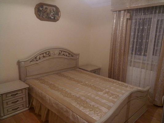 Двухкомнатная квартирапосуточно в Трускавце, ул. Бойковская, 10. Фото 1