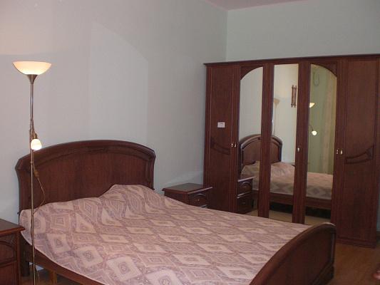 Трехкомнатная квартирапосуточно в Севастополе, Балаклавский район, пр-т Античный, 6. Фото 1