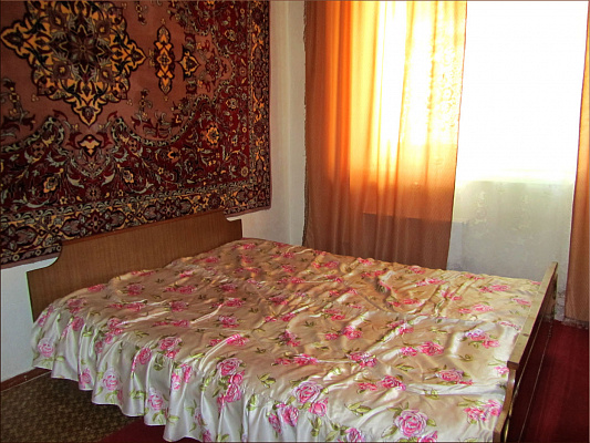 Трехкомнатная квартирапосуточно в Южноукраинске, набережная, 7. Фото 1
