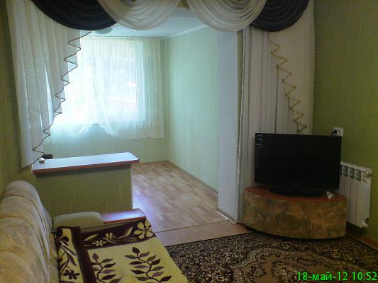 Двухкомнатная квартирапосуточно в Партените, ул. Солнечная, 2. Фото 1