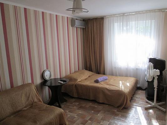 Однокомнатная квартирапосуточно в Алуште. Ленина 39, 39. Фото 1