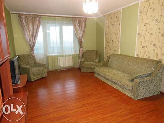 Двухкомнатная квартирапосуточно в Броварах, ул. Декабристов, 46. Фото 1