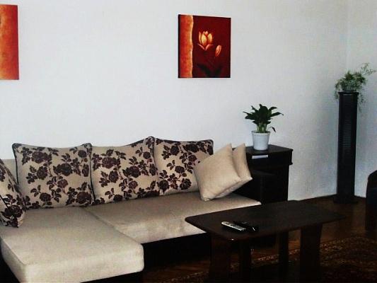 Двухкомнатная квартирапосуточно в Киеве. Печерский район, Крещатик. Фото 1