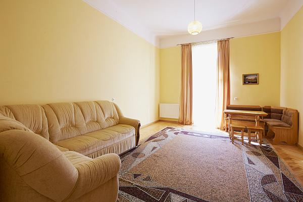 Двухкомнатная квартирапосуточно в Львове. Галицкий район, ул. Коперника, 21. Фото 1
