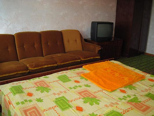 Однокомнатная квартирапосуточно в Умани. ул. Тыщика, 11. Фото 1