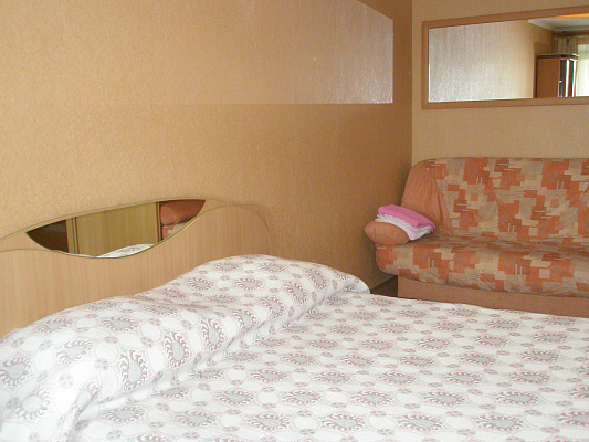 1-комнатная квартира посуточно в Херсоне. Суворовский район, пр-т Ушакова, 68. Фото 1