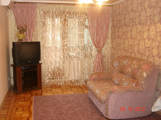 Однокомнатная квартирапосуточно в Одессе. Приморский район, пр-т Шевченко, 21A. Фото 1