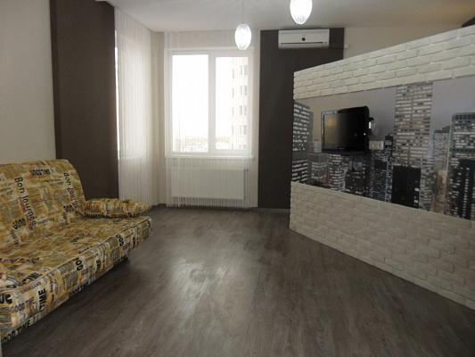 Двухкомнатная квартирапосуточно в Одессе, Приморский район, ул. Среднефонтанская, 19\а. Фото 1