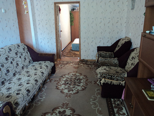 Двухкомнатная квартирапосуточно в Бердянске. ул. Свободы, 20. Фото 1