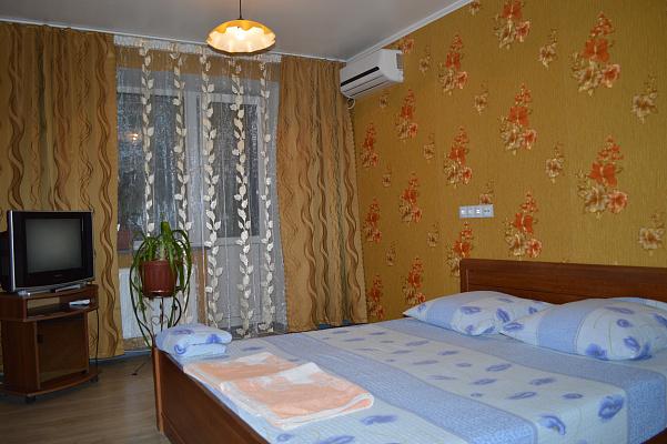 Однокомнатная квартирапосуточно в Днепродзержинске (Каменском), ул. Шепетова, 2. Фото 1