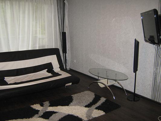 Двухкомнатная квартирапосуточно в Луганске. кв.солнечный, 15а. Фото 1