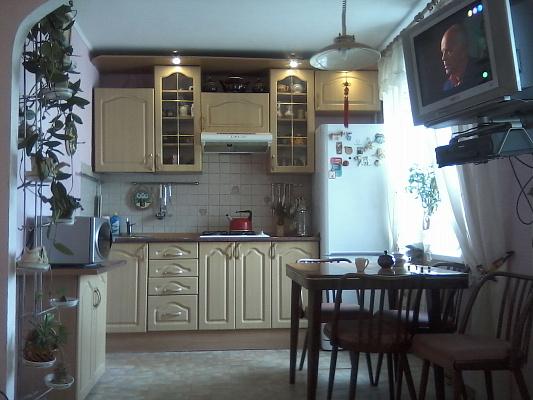 Двухкомнатная квартирапосуточно в Харькове, Фрунзенский район, Стадионный проезд, 8. Фото 1