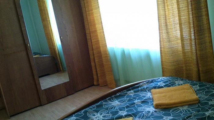 Двухкомнатная квартирапосуточно в Мукачево, ул. Первомайская, 16. Фото 1