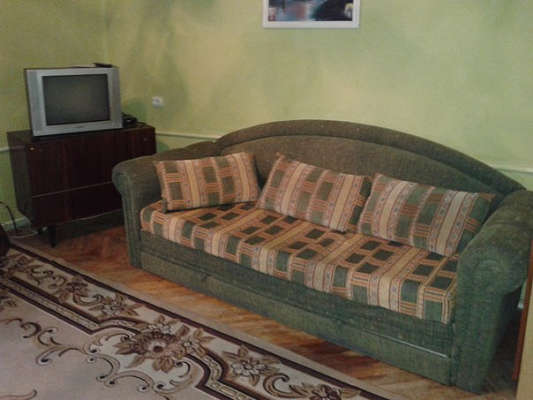 Трехкомнатная квартирапосуточно в Ивано-Франковске, ул. Урожайная, 11. Фото 1