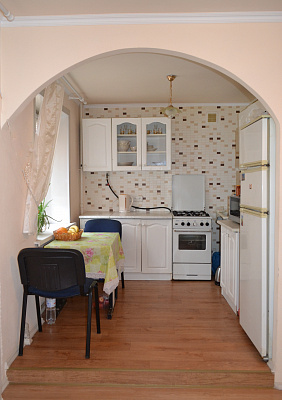Трехкомнатная квартирапосуточно в Северодонецке, ул. Федоренко, 43. Фото 1
