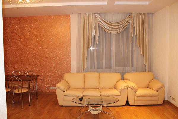 Трехкомнатная квартирапосуточно в Одессе. Приморский район, ул. Екатерининская, 90. Фото 1