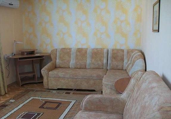 Однокомнатная квартирапосуточно в Севастополе. Гагаринский район, Юмашева, 15. Фото 1