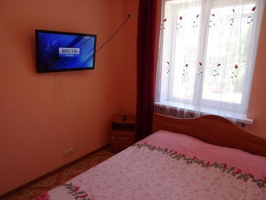 Двухкомнатная квартирапосуточно в Севастополе, Гагаринский район, ул. Фадеева, 21