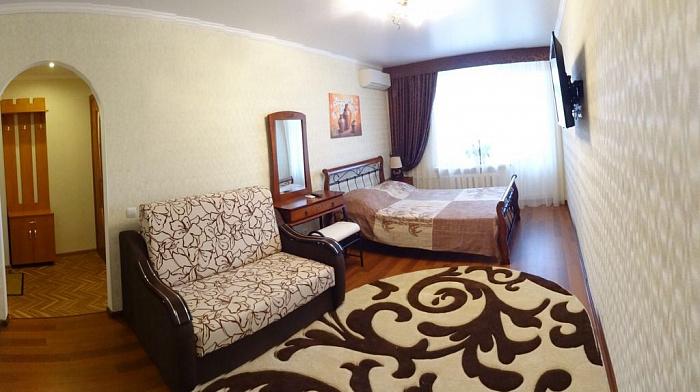 Однокомнатная квартирапосуточно в Феодосии, ул. Федько, 49. Фото 1