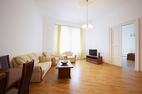 Двухкомнатная квартирапосуточно в Львове. Галицкий район, ул. Лепкого, 14. Фото 1