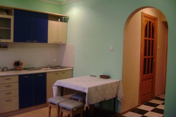 Двухкомнатная квартирапосуточно в Виннице. Ленинский район, Соборная, 99А. Фото 1