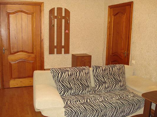 Двухкомнатная квартирапосуточно в Бердянске. ул. Ленина, 24. Фото 1