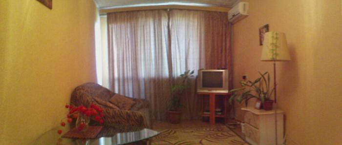 Однокомнатная квартирапосуточно в Севастополе, Гагаринский район, ул. Героев Подводников, 12