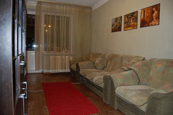 Двухкомнатная квартирапосуточно в Киеве, Святошинский район, Котельникова. Фото 1
