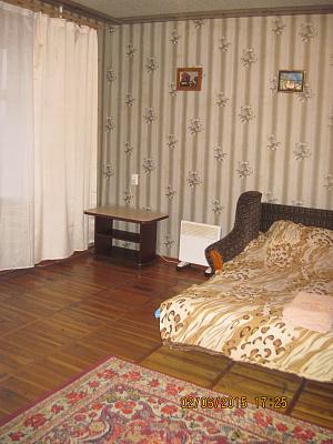 Однокомнатная квартирапосуточно в Запорожье, Орджоникидзевский район, ул. Яценко, 10-А. Фото 1