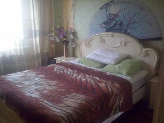Двухкомнатная квартирапосуточно в Краматорске. ул.Бульвар Краматорский , 15. Фото 1
