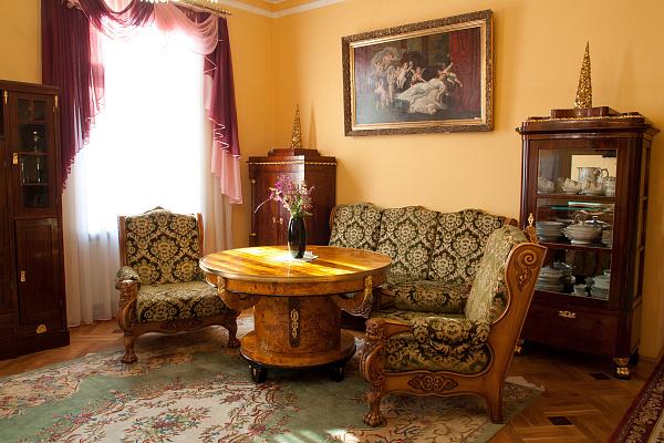 Дом посуточно в Львове. ул. Соломии Крушельницкой, 23. Фото 1